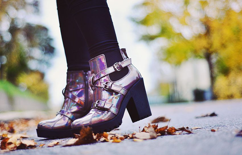 Holographic boots