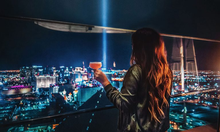 My Favorite Restaurants & Bars in Las Vegas – 8 Affordable places to Eat & Drink